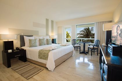 Deluxe Room Partial Ocean View King